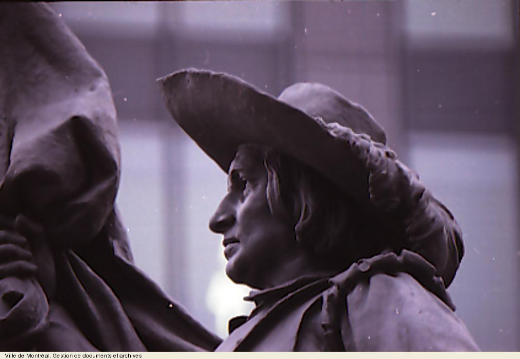 Monument à la mémoire de Paul de Chomedey de Maisonneuve, photo Raymond Gagnon, 1993. VM94,1993-0632-067