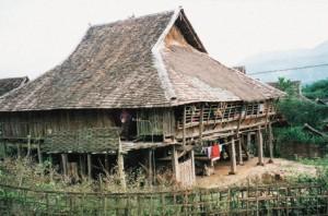 Le Jardin de Chine : Le bambou au quotidien : La maison de bambou ...